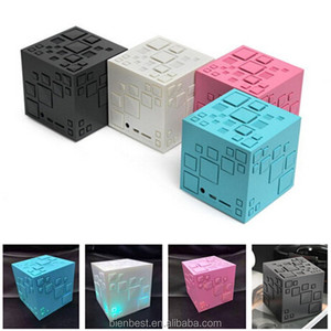 Mini Portable Q+ LED Bluetooth Speaker Square Subwoofer Speakers with Mic TF FM Radio Sound Box Boombox For Phone MP3 Player