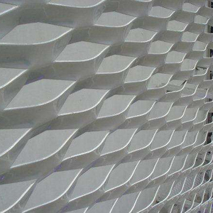 Low carbon steel metal sheet expanded mesh for fence with strong structure