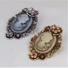 Fashion Antique Gold Silver Vintage Brooch Pins Female Brand Jewelry Queen Cameo Brooches Rhinestone For Women Christmas Gift-in