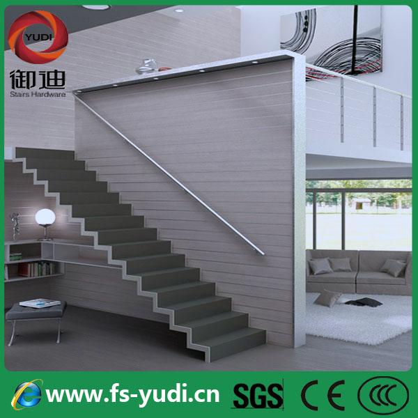 Dritto scale metalliche in acciaio struttura di legno per il ...