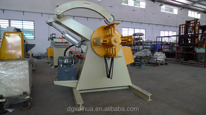 Manual steel coil uncoiler for cold color steel sheet forming machine