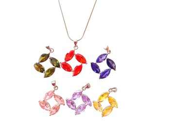 Fashion Bling Colorful Zircon Leaf Pendant Necklace