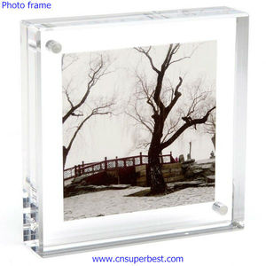 Clear acrylic magnetic photo frame 4x4 inch