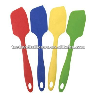 KS-002 Whole surrounded by silicone spatula