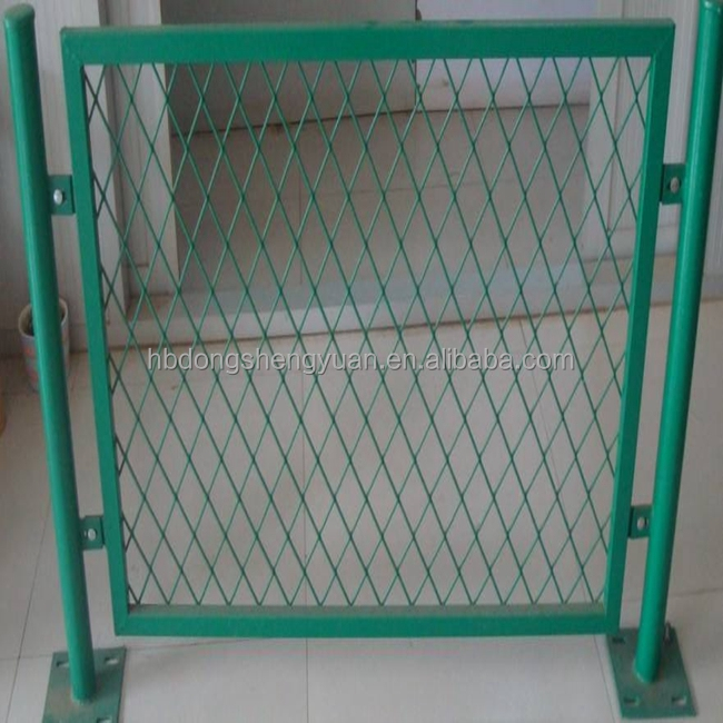 Hot Sale 5*10*4 Foot Welded Wire Mesh Expandable Dog Fence