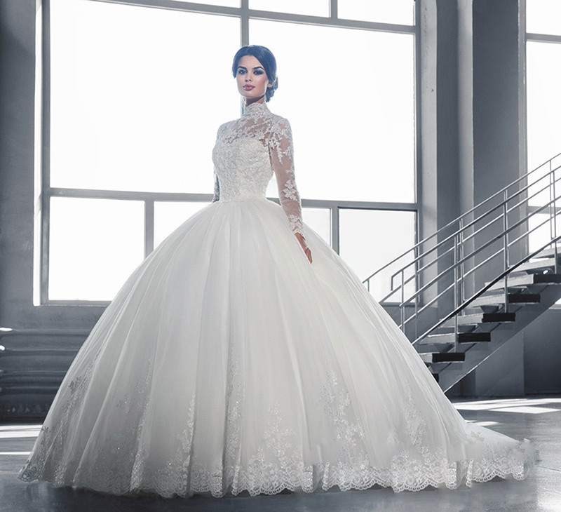 3900cab82 China Long Tail Wedding Dresses, China Long Tail Wedding Dresses  Manufacturers and Suppliers on Alibaba.com