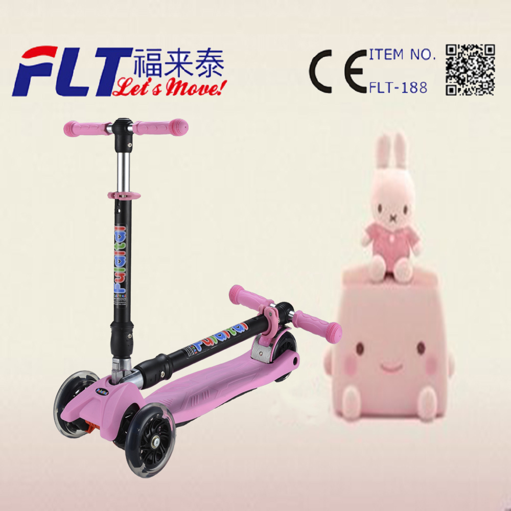 China supplier high quality four wheel kids folding scooter for games