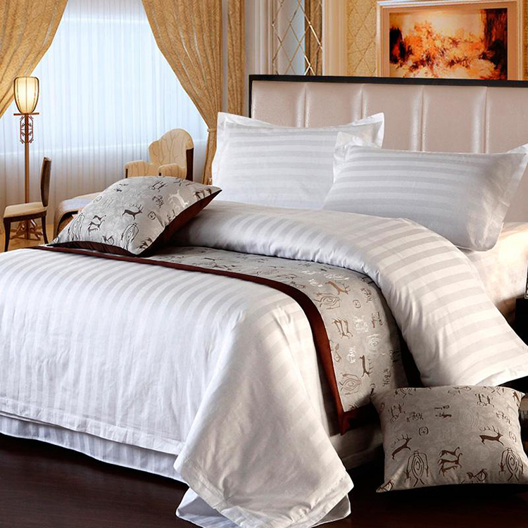 wholesale hotel white microfiber jacquard feather quilt set