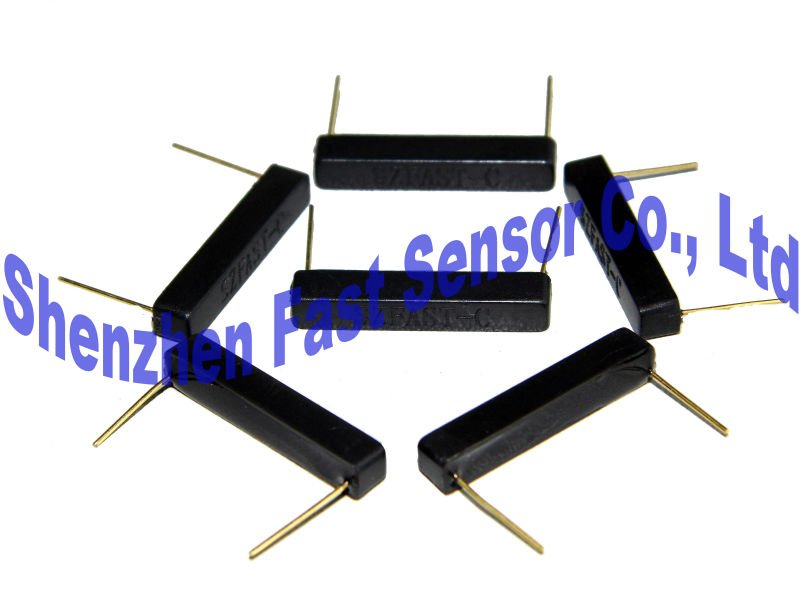 Plastic molded housing PCB mounted rectangular 2pins plug-in 12V normal open SPST N.O magnetic actuated reed relay switch sensor