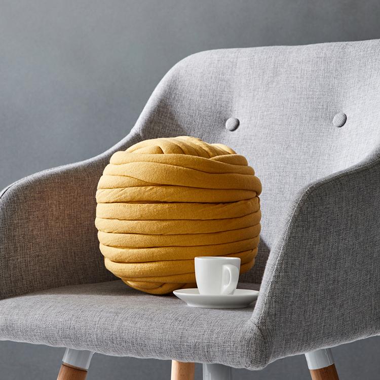 Caliente venta envío rápido de Super gigante Chunky hilados para tejer a mano/nudo almohada/grueso tubo de hilo