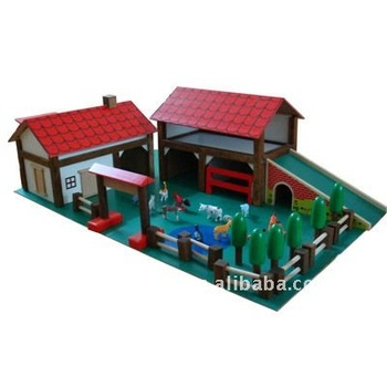 Wooden Farmhouse Toy With Animals