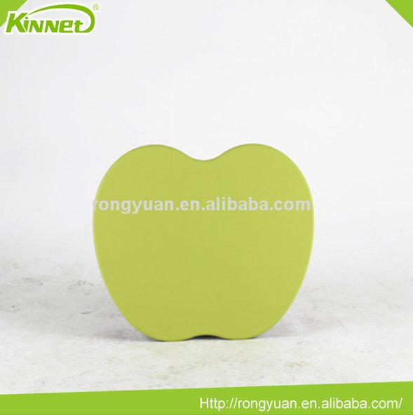 Modern hot sell portable green PVC sheet with peach skin fabric pillow apple shaped laptop desk