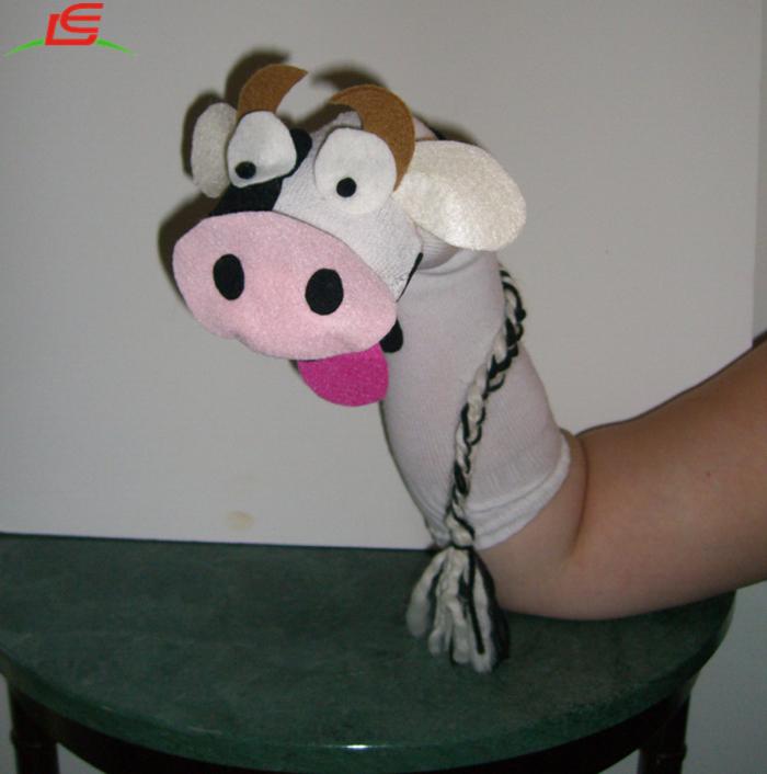 Fai Da Te Quotidiano Mucca Calzino Fantoccio Con Il Contenitore Di Regalo Buy Sock Puppet Burattino Di Mano Pinguino Burattino Di Mano Per Il Bambino Product On Alibaba Com