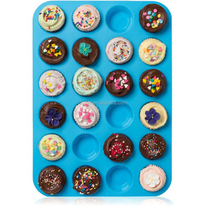 Silicone Mold / Baking Tray- Easy to Clean - Top Non Stick Bakeware for Muffins, Cakes and Cupcakes
