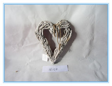 Antique home decoration wooden heart wreath