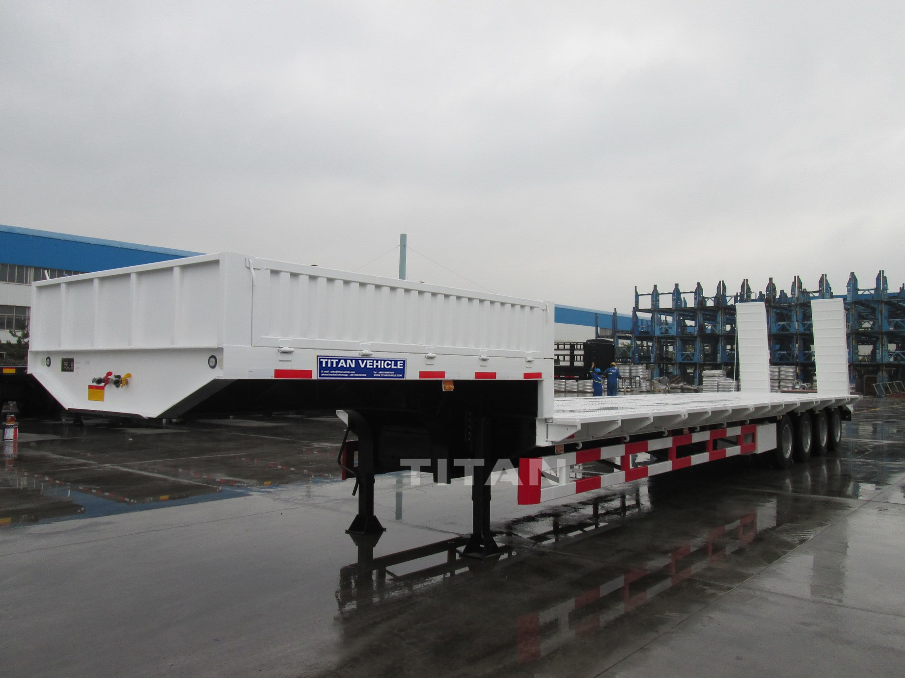 Multi-axle Large machinery transportation low loader 4 axles low platform trailer 100 ton double drop low bed trailer