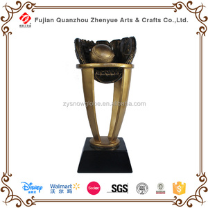 Customized Sport Star Resin Wholesale Baseball Trophy Cup Prize Replica