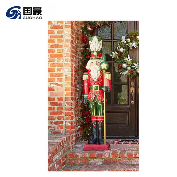 Benutzerdefinierte lebensgroße fiberglas weihnachten nussknacker skulptur