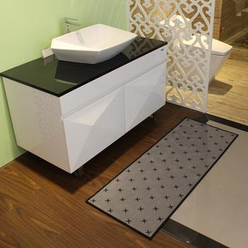 Absorbent Bath Rug Without Rubber Backing
