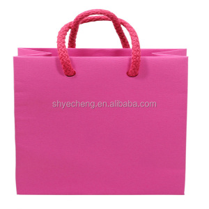 Custom hot sales fashionable gift lamination china gift paper bag manufacturer