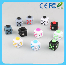 2017 China manufacoty wholesale 3.3cm magic fidget cube in stock