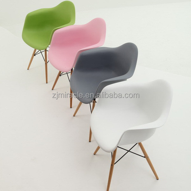 Designer hot sale wooden legs fixed living room plastic chairs