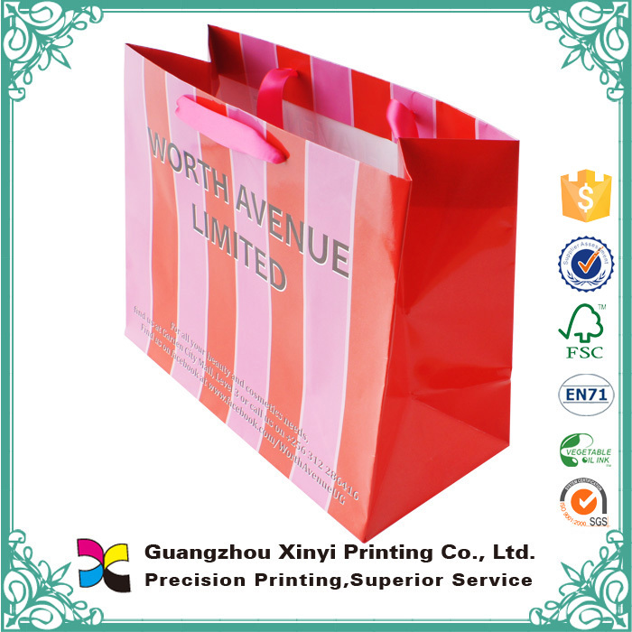 Lamination 210gsm C2S Glossy Art Paper Santa Paper Bag Wholesale
