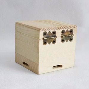 Mini packaging pine solid wood watch wooden storage box with lock