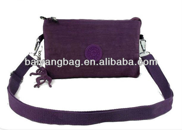 2013 promotional lastest fashion classical fashion canvas messenger shoulder bag for girls