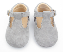 Fancy designs baby sandal footwear wholesale leather baby shoes 2017