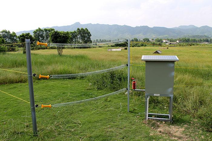 5J Электрический забор Energizer для слон электрическое ограждение зарядное IMG_1620