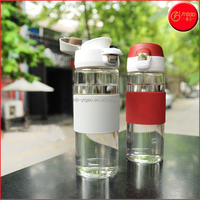 YG-17990 Promotional Borosilicate glass water bottle with Silicone Cover Glass Drinking Sports Bottles