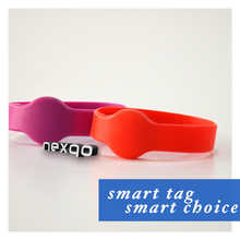 Fashionable wholesale professional rfid smart silicone bracelet wristband
