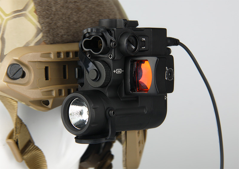 GZ15-0074 wholesale hunting helmet light Red Green laser tactical weapon flashlight with red dot for riflescope