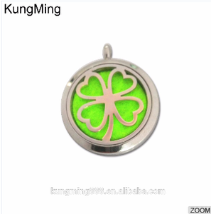 DongGuan Jewels Stainless Steel 30mm Round Sliver Aromatherapy Essential Oil Diffuser Perfume Locket Pendant Necklace With Pad