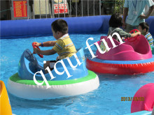 Hot sale colorful cartoon children inflatable bumper boat for swim pool