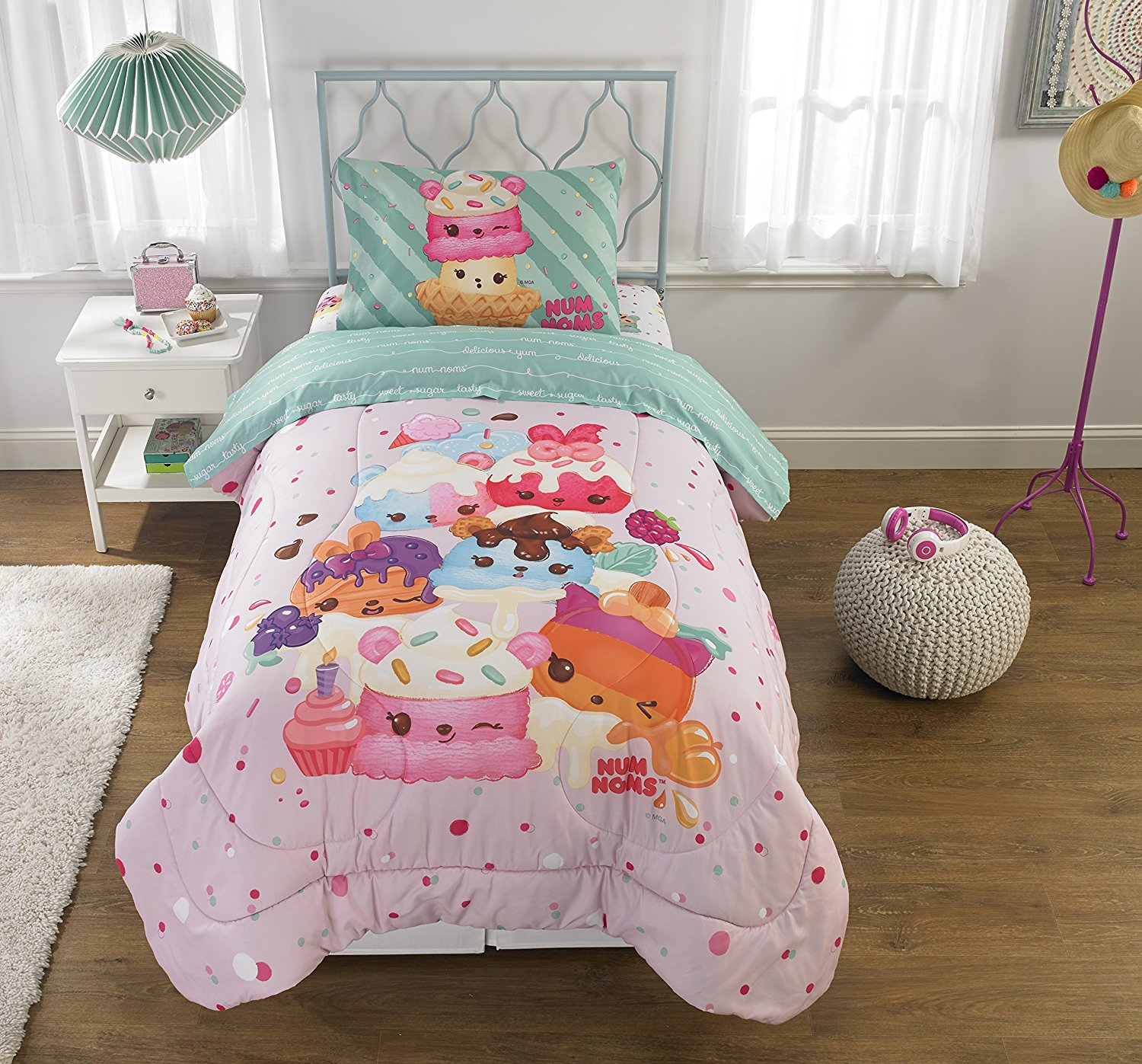 "Add a Truly Unique Element to Your Child's Bedroom with Adorable,Super Soft and Comfortable Num Noms Smells Happy Kids Bedding Scented Twin Comforter,64"" x 86"",Pink/Multicolor"