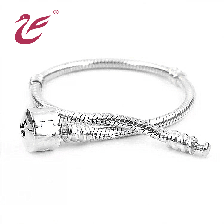 Valentine's day Wholesale high quality simple beautiful silver bracelets for women