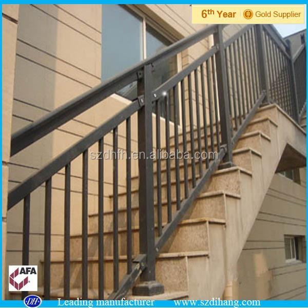 pasamanos de la metal barandilla para escaleras