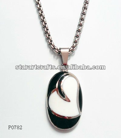 P0782 stainless steel heart pendants with black resinous