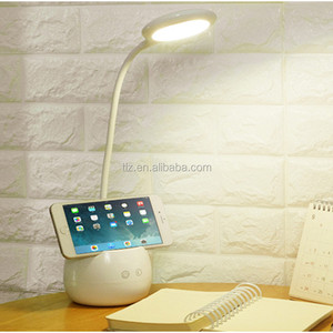 2018 latest fashion top design plug charging desk lamps