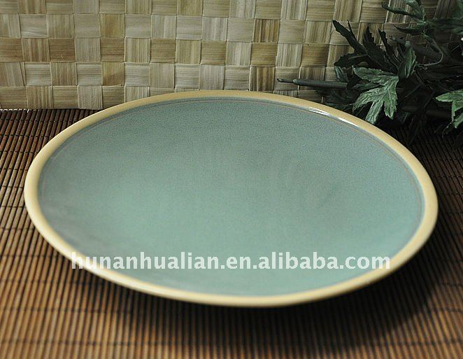 10 5 ceramic dinner plate in green color ,round shape