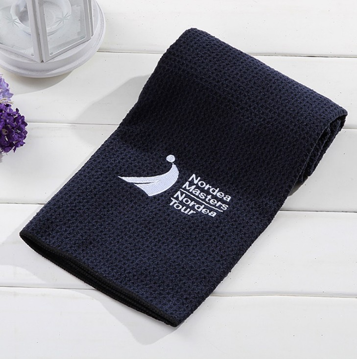 Custom Made Logo Embroidered Promotional Microfiber Golf Towel Waffle Weave Microfiber Sport Outdoor Towel