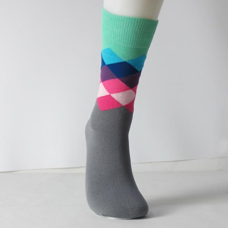 auf Füßen Bilder von am billigsten suche nach dem besten Großhandelsmode-glückliche Socken-kundenspezifische Bunte  Baumwollmannschaft-männer Kleiden Bambussocken An - Buy Großhandel  Socken,Bambus ...