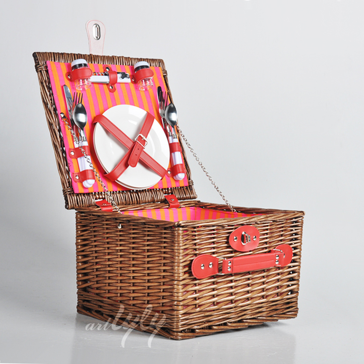 2 person small handmade picnic fruit storage wicker hamper basket with lid