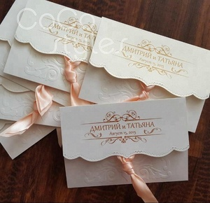 Cocostyles custom super elegant debossed folded invitation card with tassels for royal wedding and super september