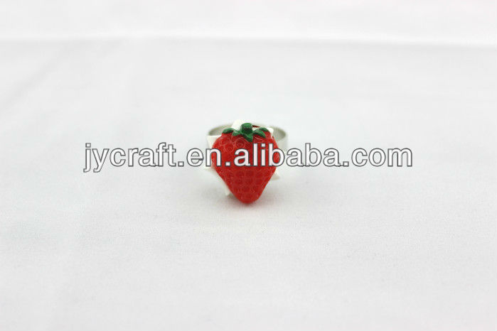 3D PVC fake strawberry handicraft ring for cheap promotional gift item made in China