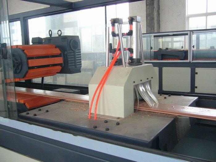 Экструзионное оборудование по производству террасной доски из ПЭ ДПК