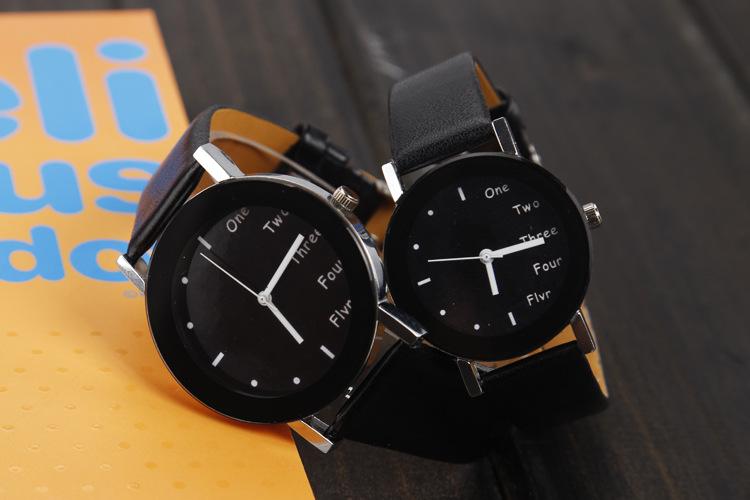 2018 New Korean Style Couple Leather Fashion Cute English Word Analog Wrist Watch