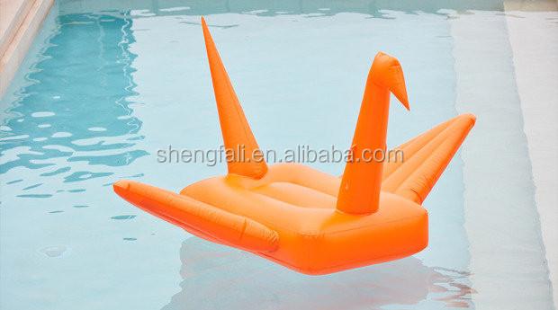 2017 New Swimming Pool Floating Inflatable Crane Pool